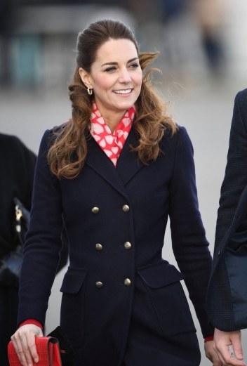 Kate Middleton in Hobbs London and Zara-2
