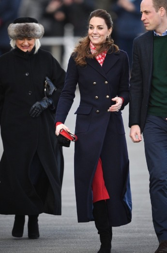Kate Middleton in Hobbs London and Zara-3