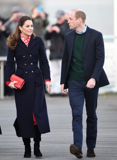 Kate Middleton in Hobbs London and Zara-4