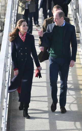 Kate Middleton in Hobbs London and Zara-7