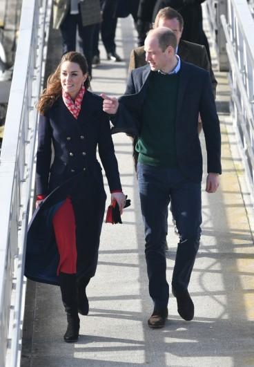 Kate Middleton in Hobbs London and Zara-8