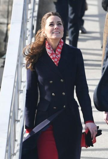 Kate Middleton in Hobbs London and Zara-9