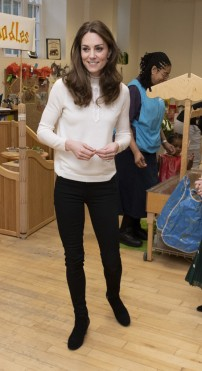 Kate Middleton in Sezane and Jigsaw-14