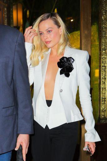 Margot Robbie in Alexandre Vauthier Spring 2020-7