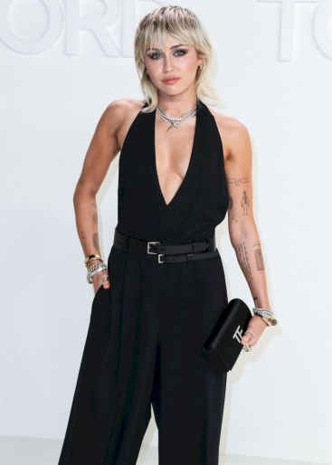 Miley Cyrus in Tom Ford Spring 2020-7
