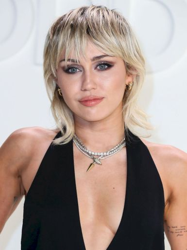 Miley Cyrus in Tom Ford Spring 2020-8