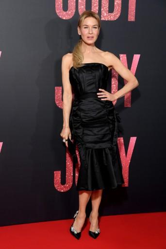 Renee Zellweger in Olivier Theyskens Spring 2020-5