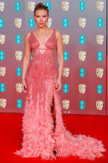 Scarlett Johansson in Atelier Versace-1