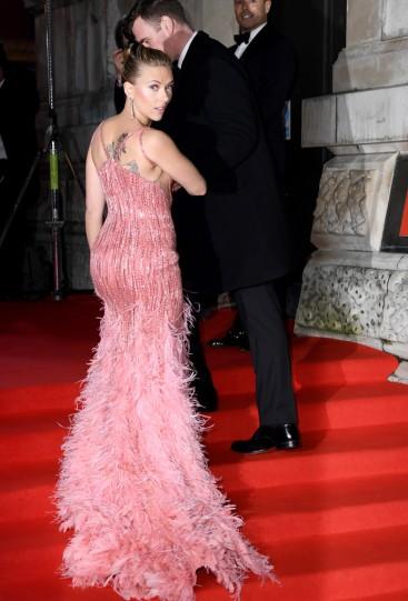 Scarlett Johansson in Atelier Versace-10