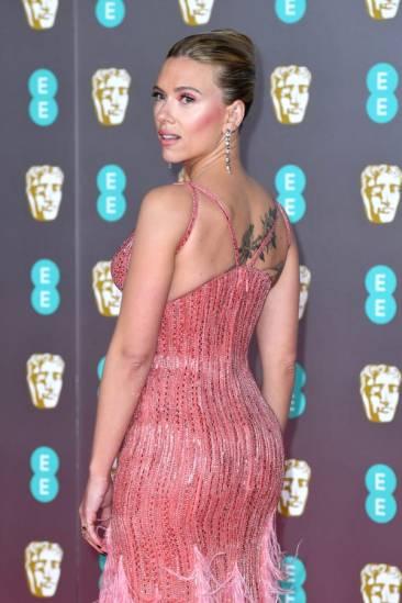 Scarlett Johansson in Atelier Versace-3