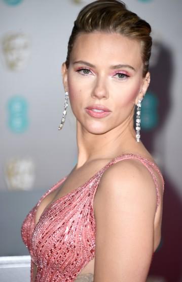 Scarlett Johansson in Atelier Versace-7