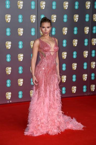 Scarlett Johansson in Atelier Versace-8