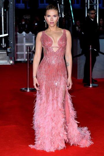 Scarlett Johansson in Atelier Versace-9