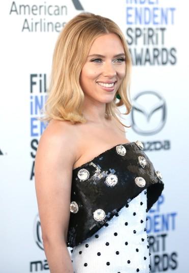 Scarlett Johansson in Balmain Pre-Fall 2020-6