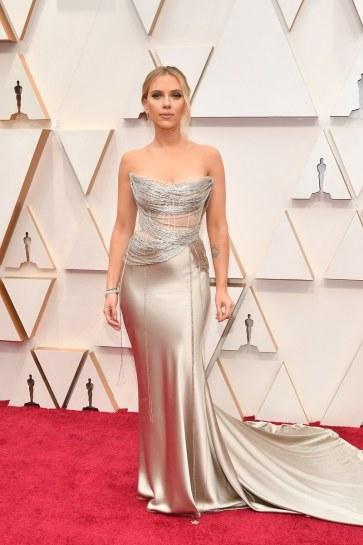 Scarlett Johansson in Oscar de la Renta-10