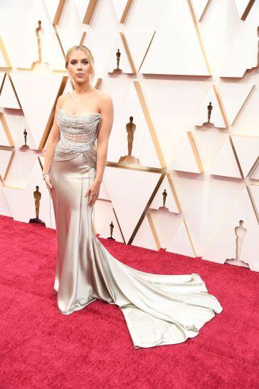 Scarlett Johansson in Oscar de la Renta-4