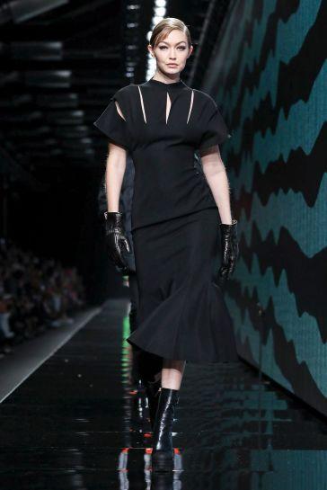 Versace Fall 2020-Gigi Hadid-1