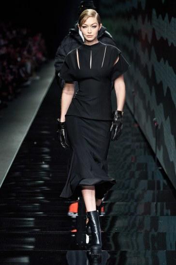 Versace Fall 2020-Gigi Hadid
