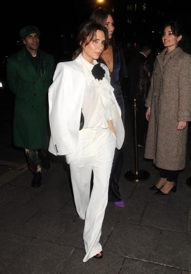 Victoria Beckham in Victoria Beckham Spring 2020-3
