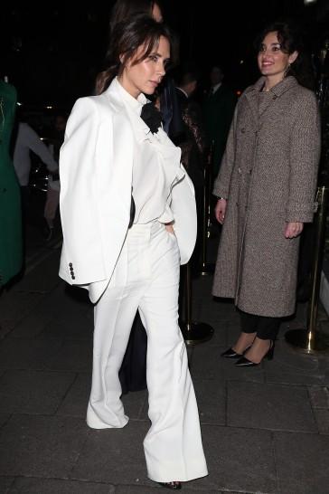 Victoria Beckham in Victoria Beckham Spring 2020-5