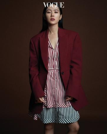 Vogue Korea September 2018-14