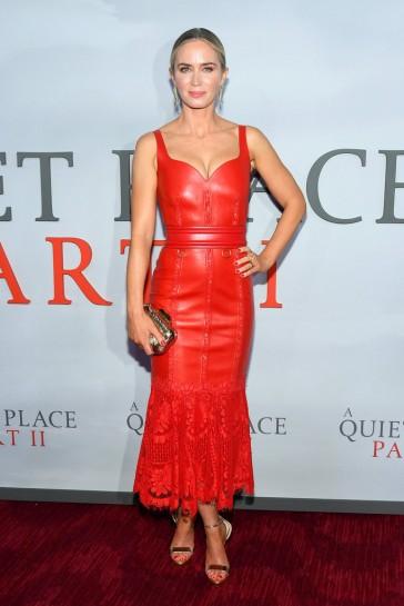 Emily Blunt in Alexander McQueen Resort 2020-14