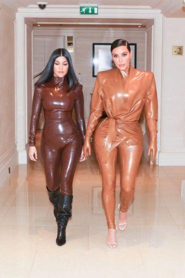Kourtney and Kim Kardashian in Balmain Fall 2020-3