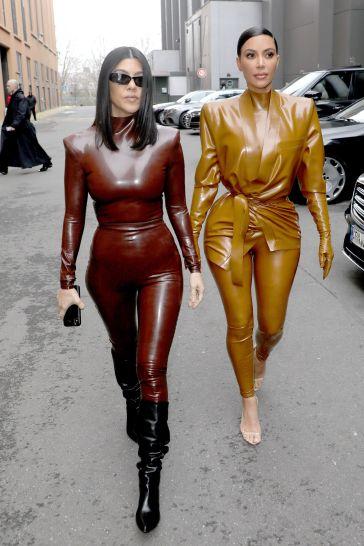 Kourtney and Kim Kardashian in Balmain Fall 2020-7