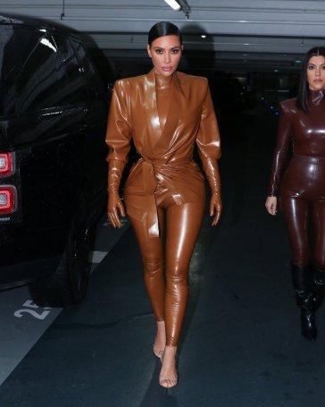 Kourtney and Kim Kardashian in Balmain Fall 2020-8