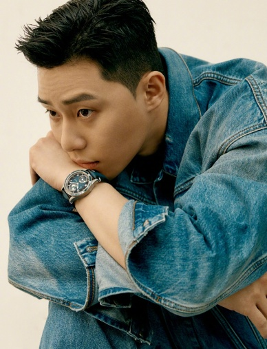 Park Seo Jun for Esquire Korea May 2020-16