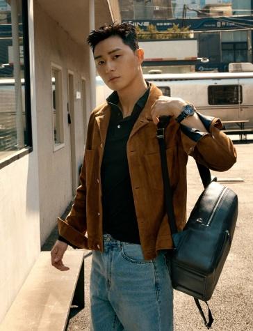 Park Seo Jun for Esquire Korea May 2020-9
