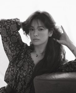 Song Hye-gyo for ELLE Singapore May 2020-7