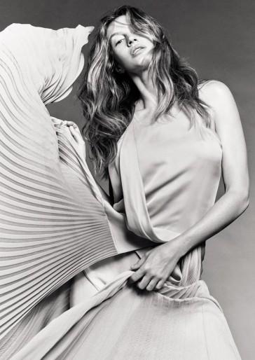 Gisele Bundchen for Vogue Brasil May 2020-2