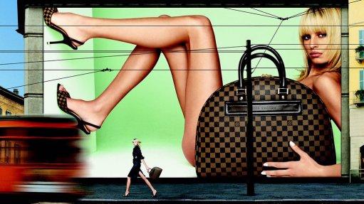 Louis Vuitton Fall 2001 Campaign-4