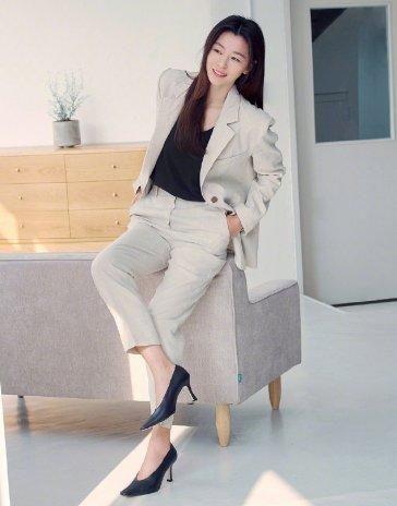 Jeon Ji-hyeon for GIORDANO Spring 2020 Campaign-10