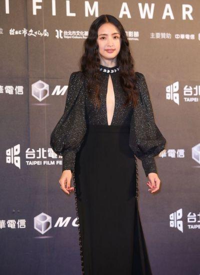 Ariel Lin in Bob Jian-5