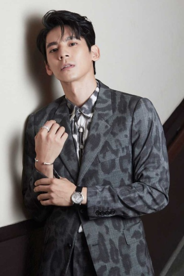Austin Lin in Stella McCartney Spring 2020 Menswear-2