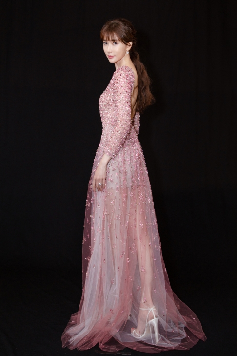 Chi-ling Lin in Valentino Pre-Fall 2020-6