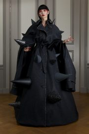 Viktor & Rolf Fall 2020 Couture-3