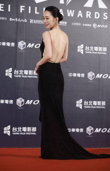 Wu Ke-Xi in LinLi Boutique-4