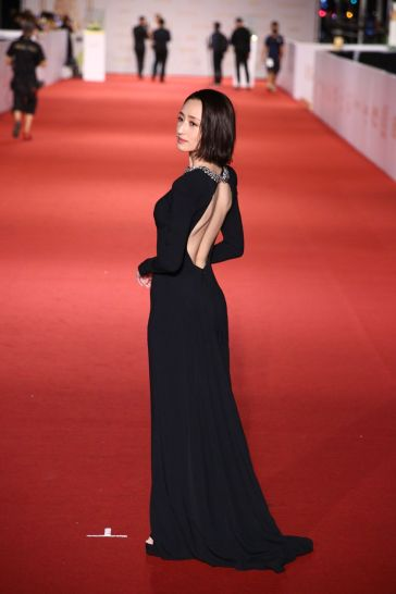 Alice Ko in Stella McCartney-2