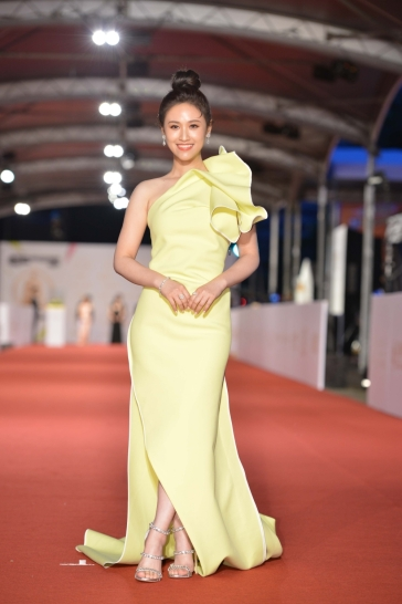Sandy Wu in Maticevski-1